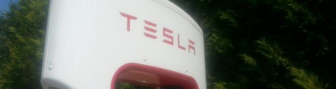 Tesla Supercharger Salzburg beim Kaiserhof Niederalm